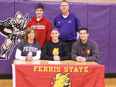 Women's Basketball Inks Caledonia's Miller