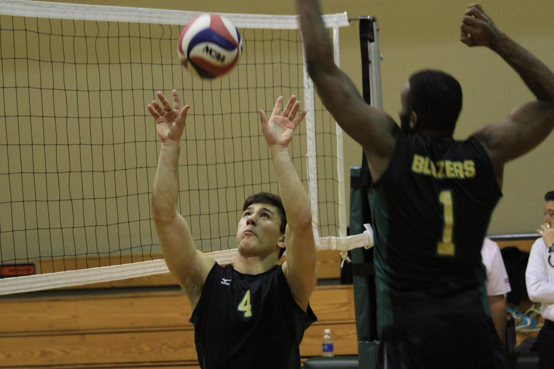 Men's Volleyball Blanks Southern Vermont On The Road