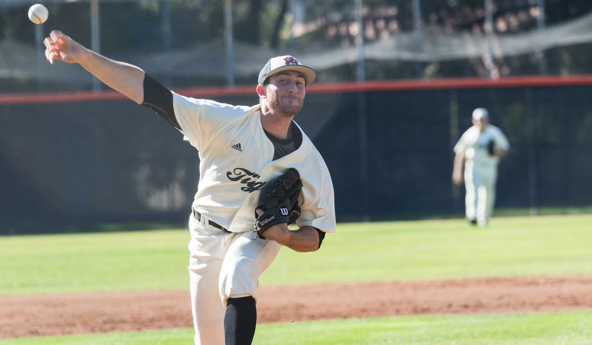 Cohen, Gibbs Lead Oxy Past Defending D3 Champs