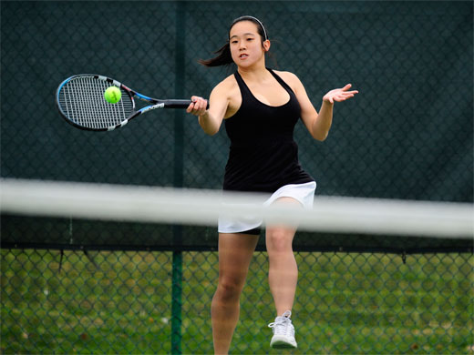 Women's tennis opens season with victory over NYU