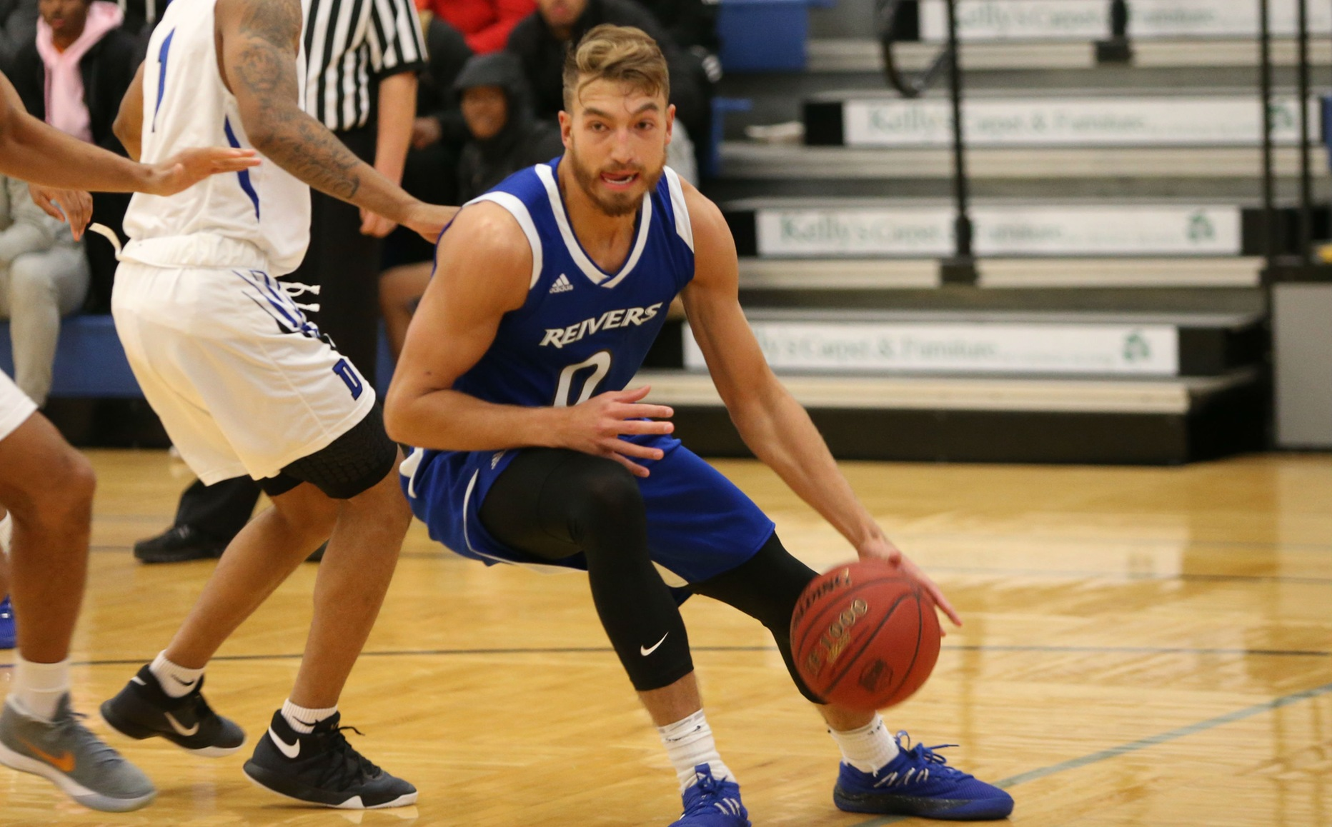 Parker Hazen and his Iowa Western teammates captured a road conference win at Marshalltown Wednesday evening (1/23/19) with a 77-70 victory over the home-standing Tigers.