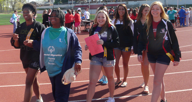 LC Cheerleaders Support Special Olympics