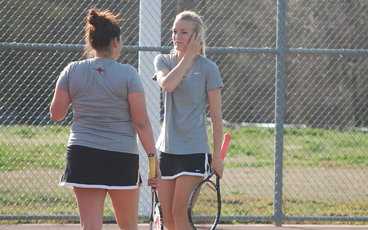 Women's Tennis Splits with Houston CC and Mississippi College