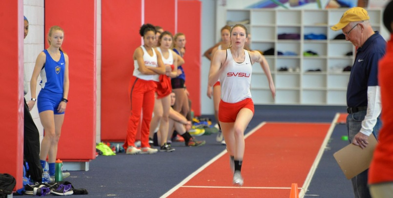 Huebner posts the fieldhouse new record running a 2:22.33 in the women's 800 meter run on Friday (Jan.26) night...