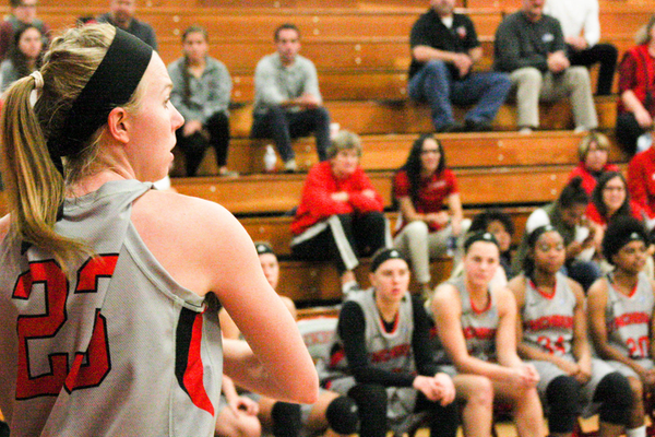 Women's Basketball to Play in R-MC Tip-Off Tourney