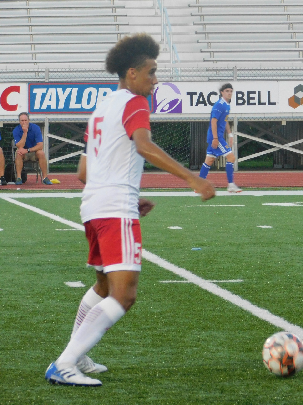 Men Outshoot, but Lose to St Charles