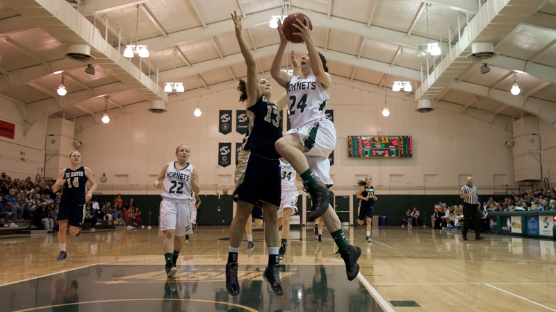 Defense Key in Women's Basketball's 80-62 Vicotry Over North Dakota