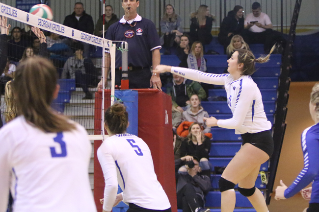 WOMEN'S VOLLEYBALL FALL IN TIGHT MATCH TO CENTENNIAL