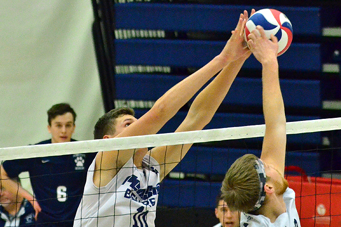 Men's Volleyball Sweeps Hilbert