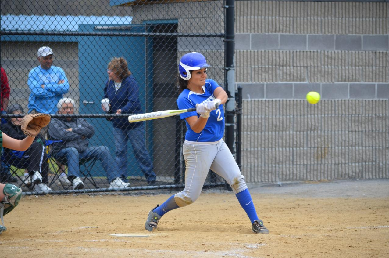 SUNYIT Softball Splits on First Day of Spring Trip