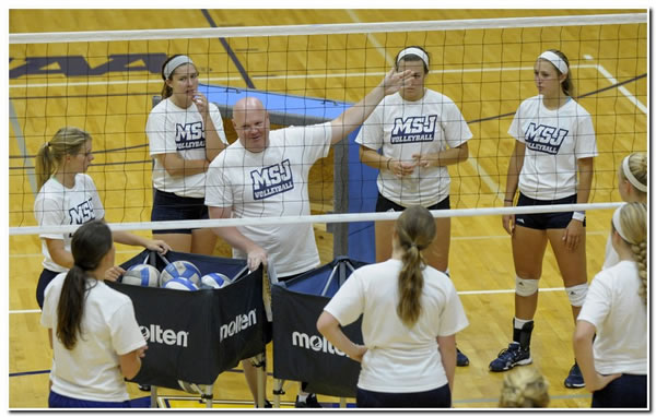 Mount women's volleyball team records a 3-2 win over visiting Berea College