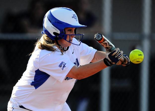 Softball Splits With the Mount