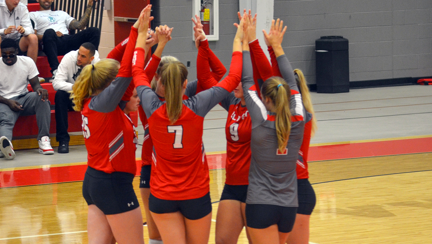 Women's volleyball team loses in four sets to Trine