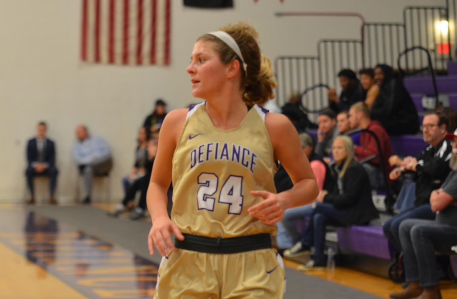 Women's Basketball Holds Off HCAC Opponent Franklin