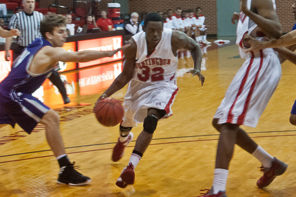 Huntingdon men's basketball falls at Methodist