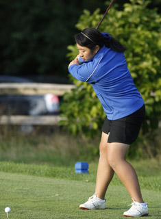 Blue Golf Opens Spring Season at Vassar