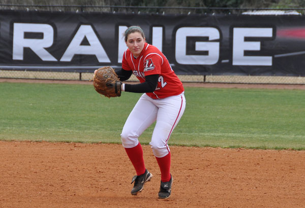 Softball: Panthers split DH with Agnes Scott