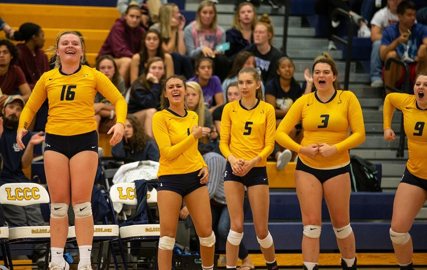 LCCC Volleyball Falls in Straight Sets to Eastern Wyoming