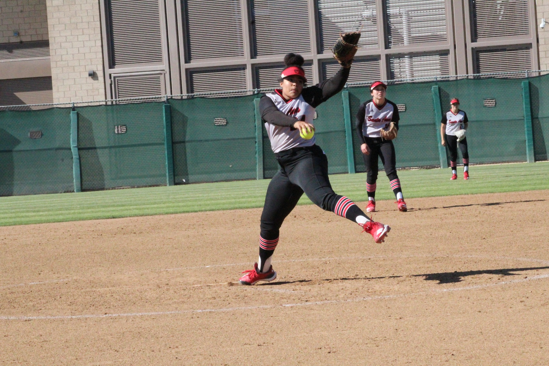 Dons Win by Run Rule in Non-Conference Game Against Grossmont