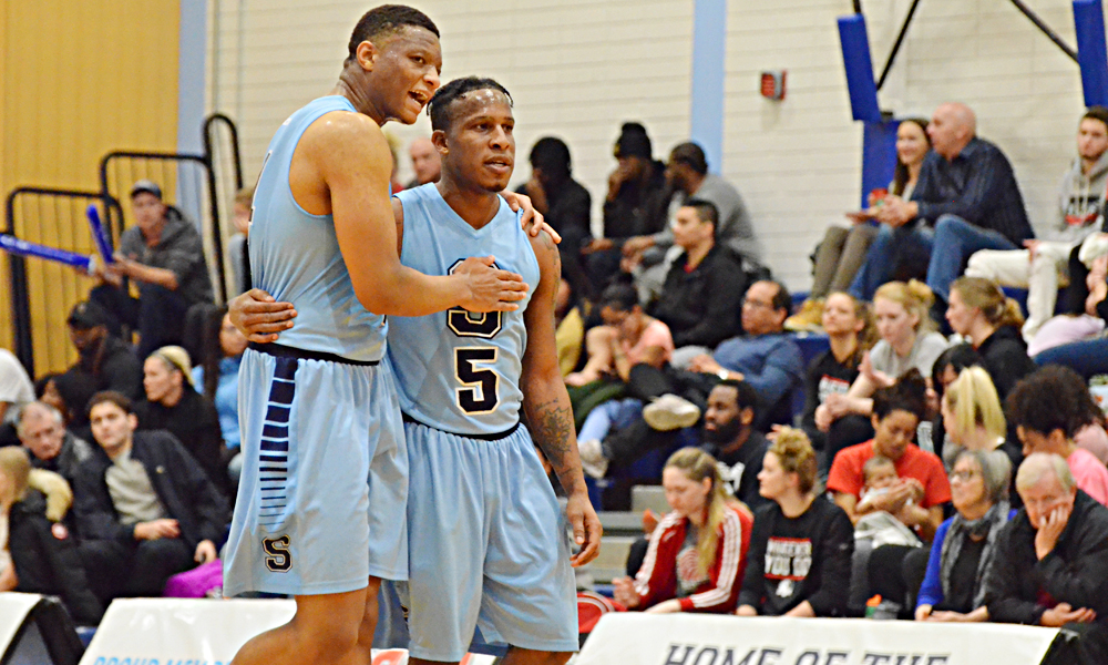 Men's basketball goes quiet in second half, falls to Redeemer
