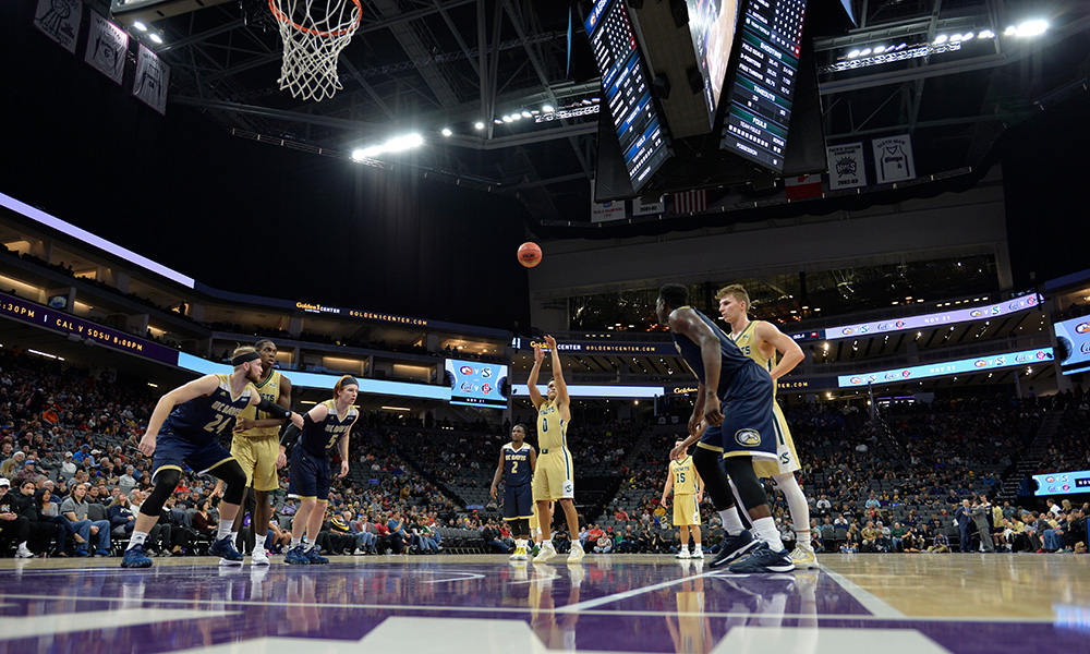 MEN'S BASKETBALL PLAYS UC DAVIS ON TUESDAY AT THE GOLDEN 1 CENTER