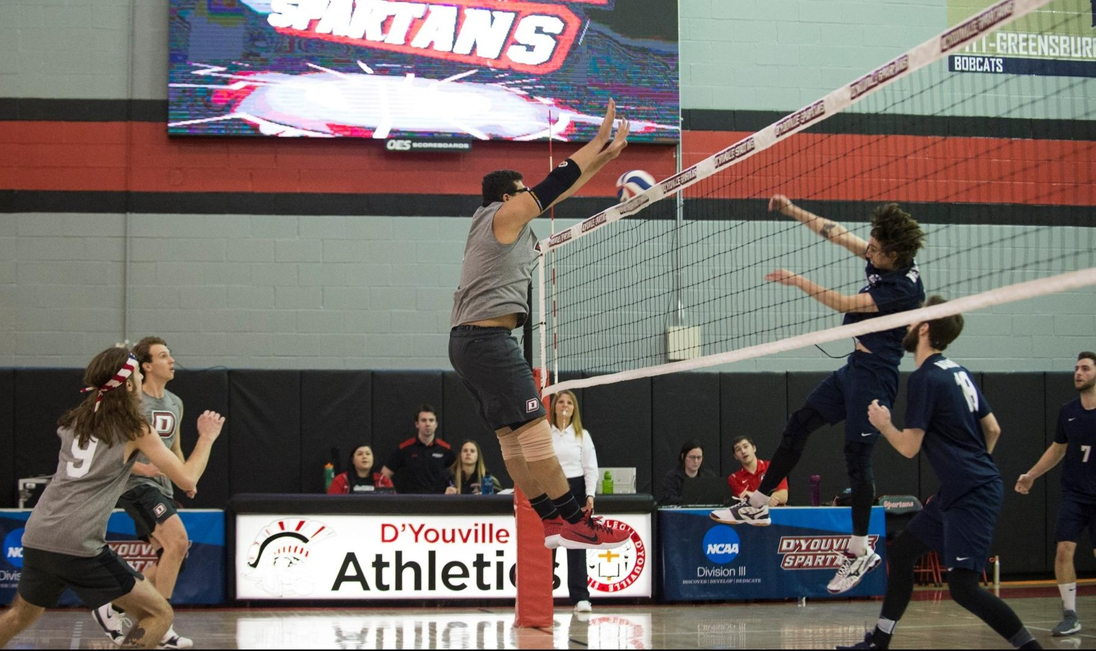 Men's Volleyball Drops Opening Day of Season
