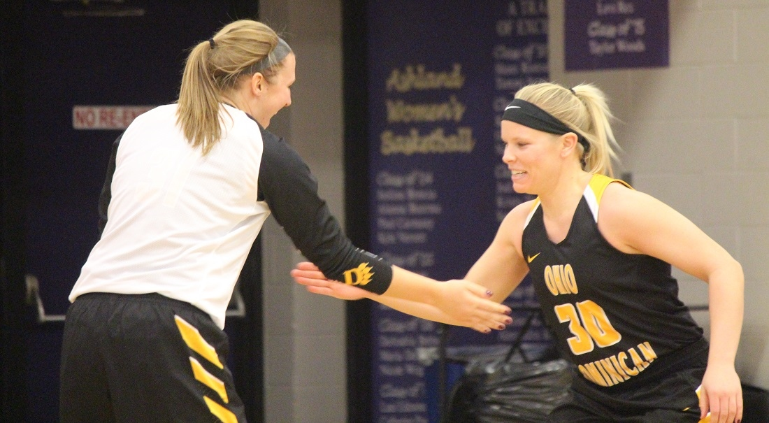 Women's Basketball Turns Over Bobcats In 93-52 Win
