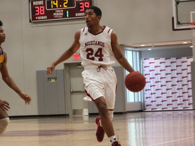 Men's Basketball: Fall to Colts