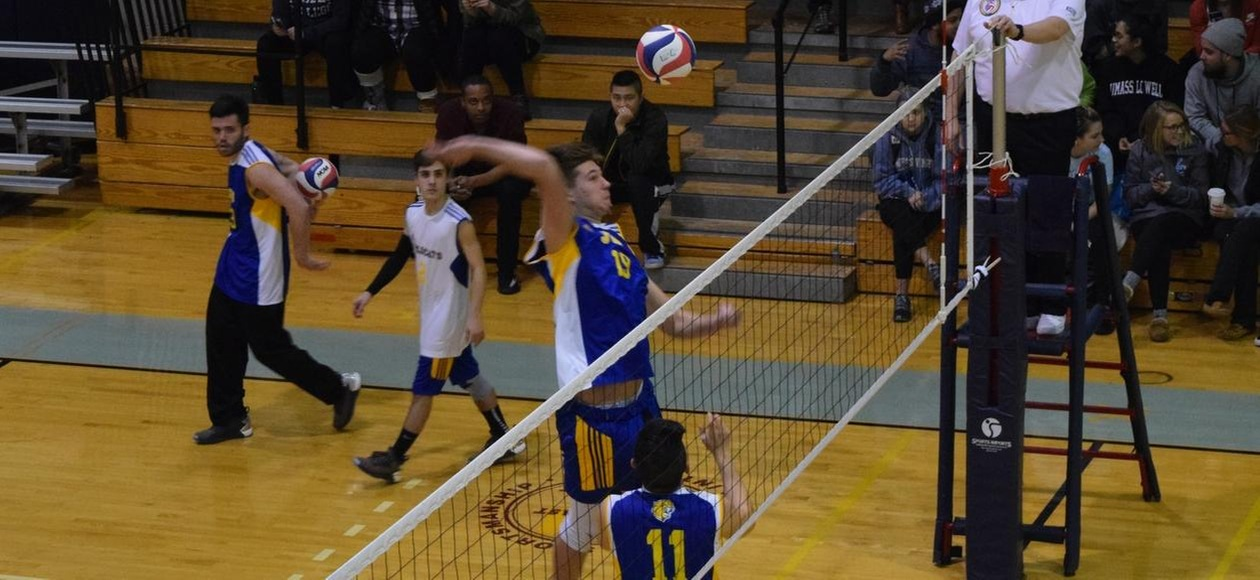Men's Volleyball Sweeps a Pair of Matches
