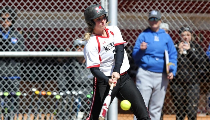 Softball sweeps Wittenberg for eighth straight win