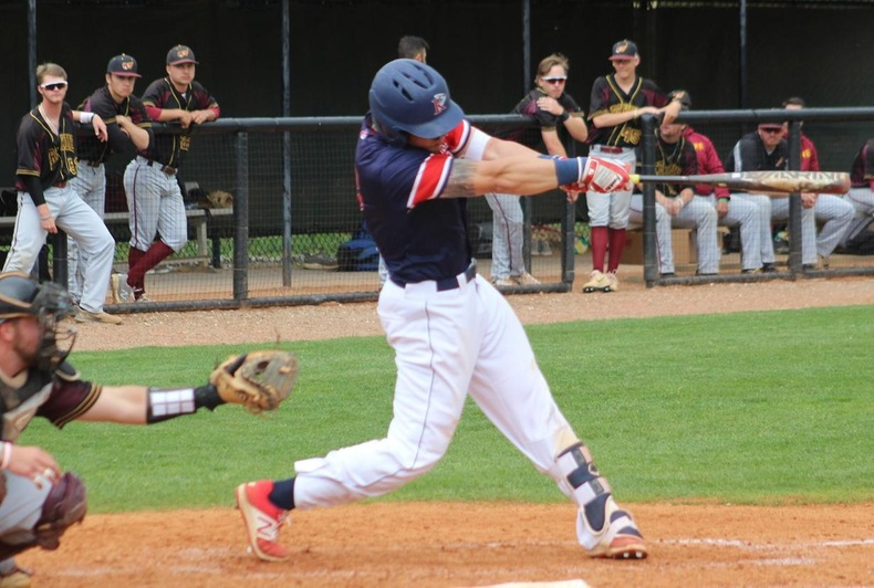 King falls in series finale to Erskine