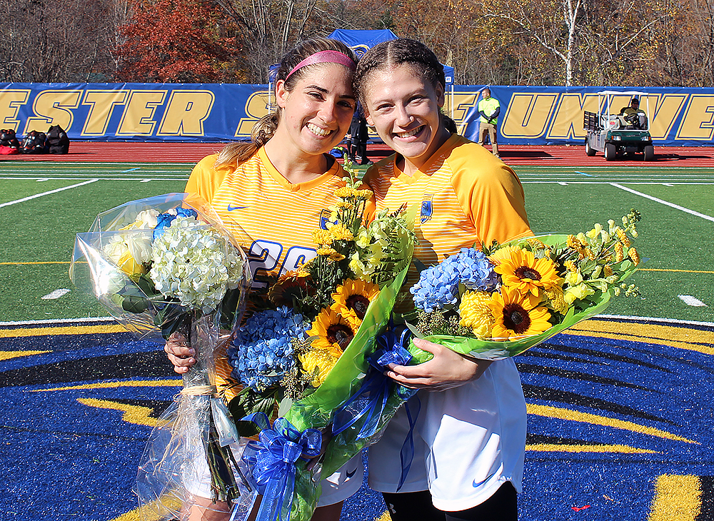 Women's Soccer Charges Past Bears on Senior Day