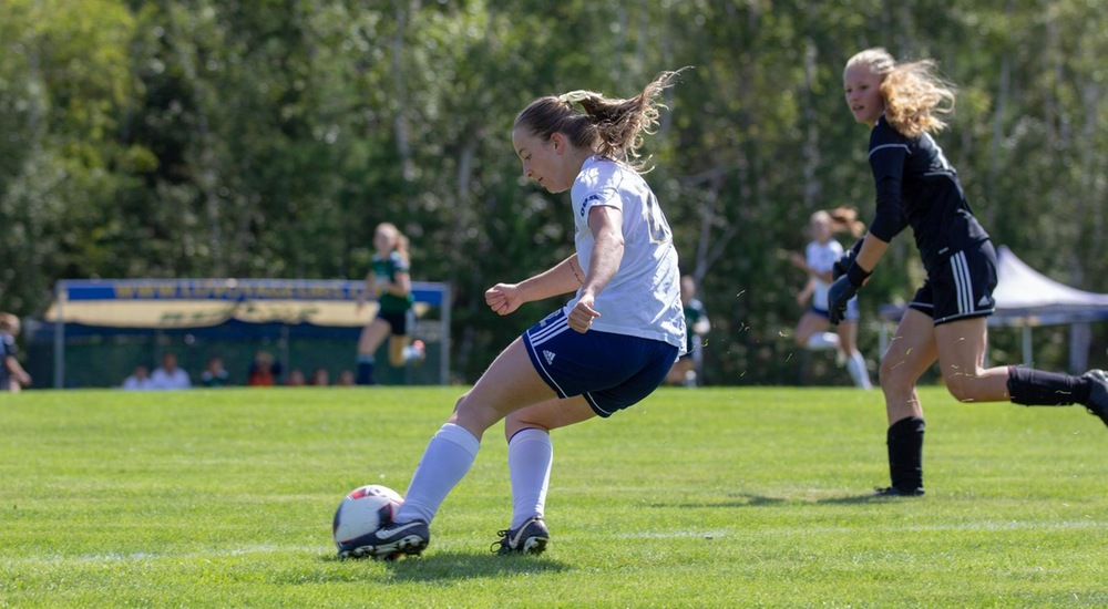 WSOC | Voyageurs Struggle to Convert Chances, Fall to UOIT