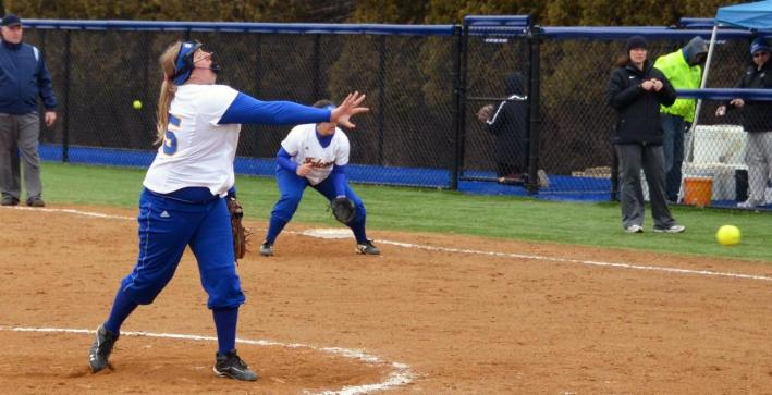 Softball sweeps Edgewood in NAC play at home