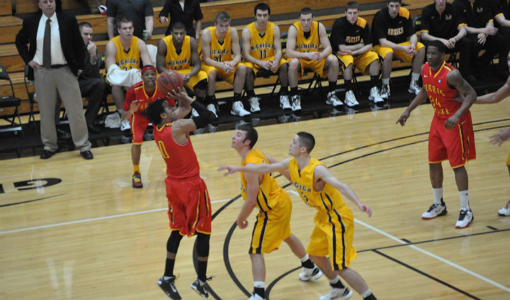 Bulldogs Drop GLIAC North Battle To Michigan Tech