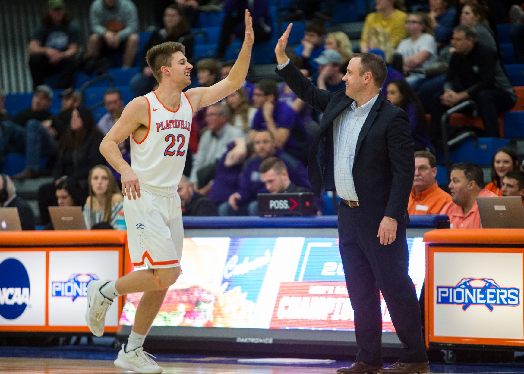Pioneers advance to WIAC semifinals