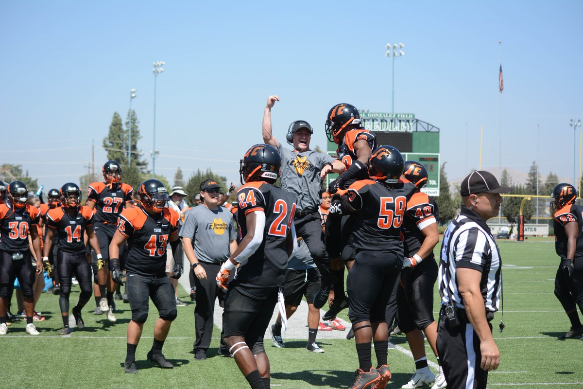 Reedley Improves To 2-0 With A 44-20 Victory Over Yuba
