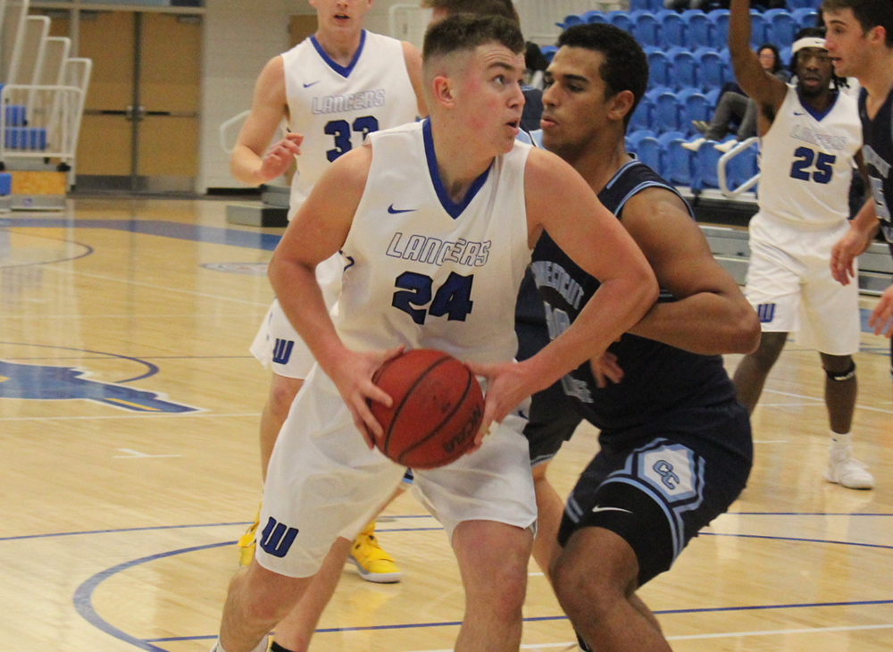 Men's Basketball Outlasts Connecticut College
