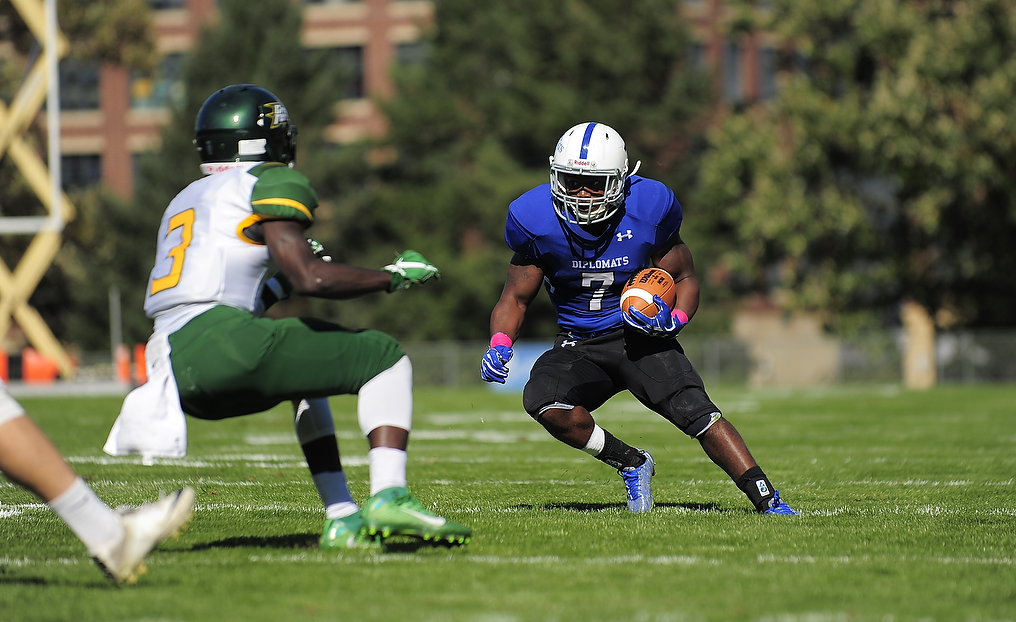 Diplomats Roll Past McDaniel for Homecoming Victory