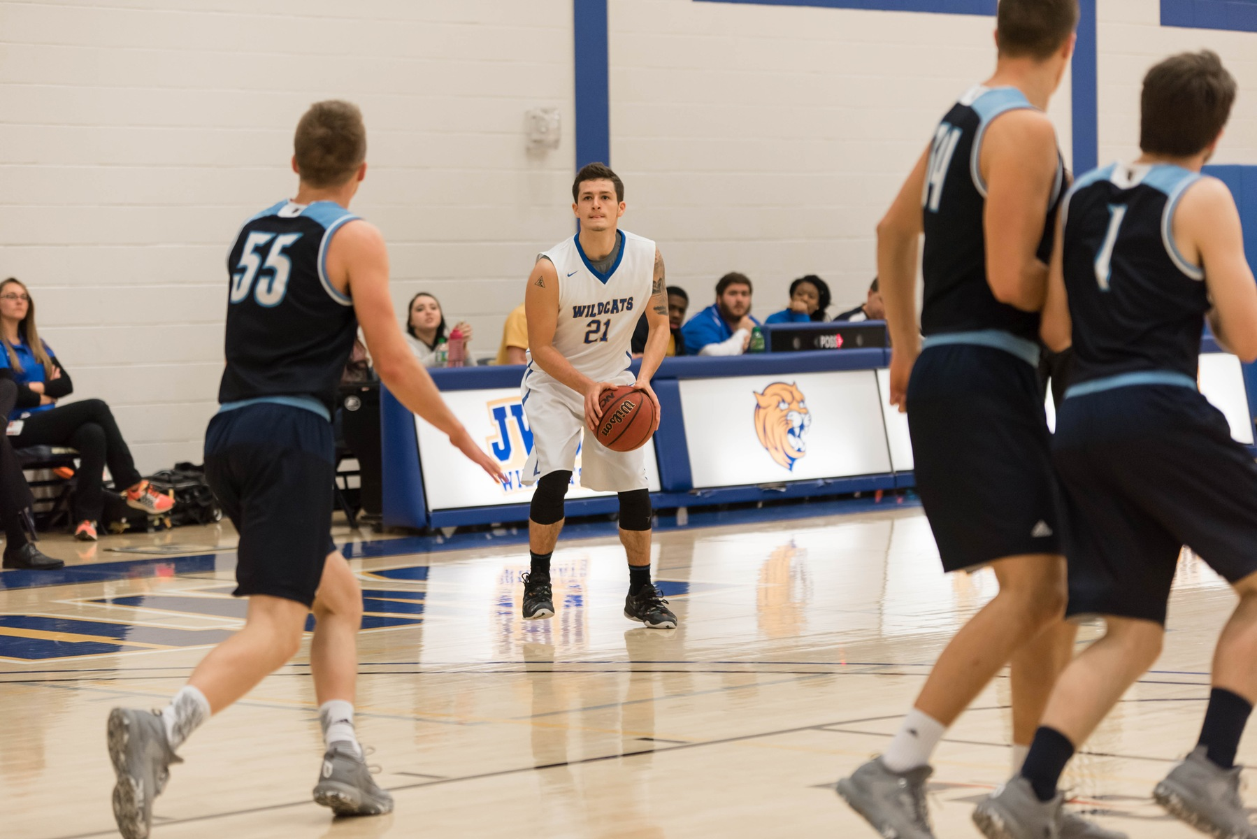 Men's Basketball Gets Back on Track with 85-84 Win at #15 Warren Wilson
