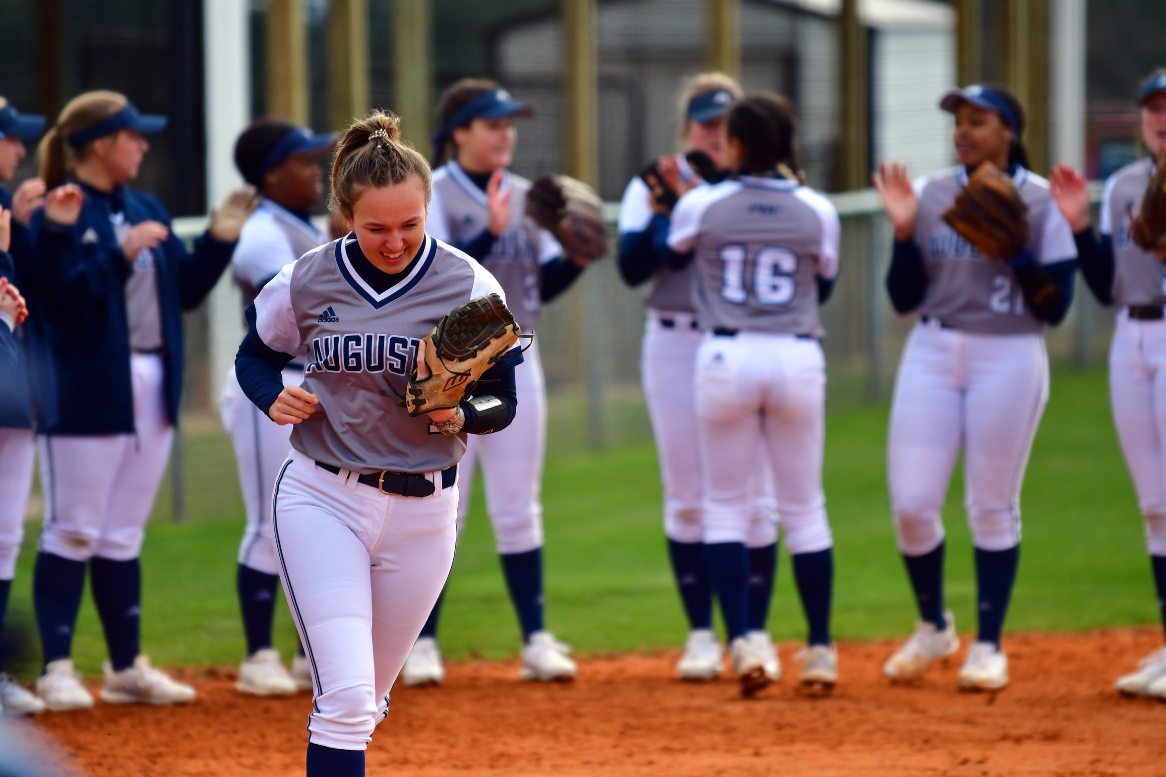 Jags Softball Splits Doubleheader With Columbus State