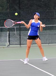 Tufts Tops Wellesley Tennis in Nor'Easter Bowl Semifinal
