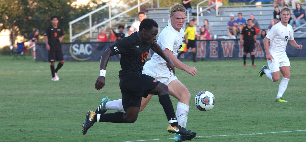 Ayuk Tambe's fourth goal in five matches was the game-winner for the Pioneers (photo by Chris Lenker)