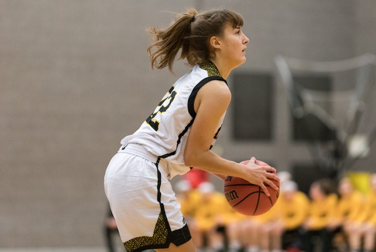 Women's Basketball Defeats Salem; 77-54