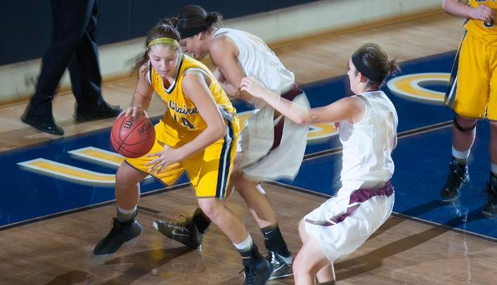 Women's Basketball Can't Get By Titans
