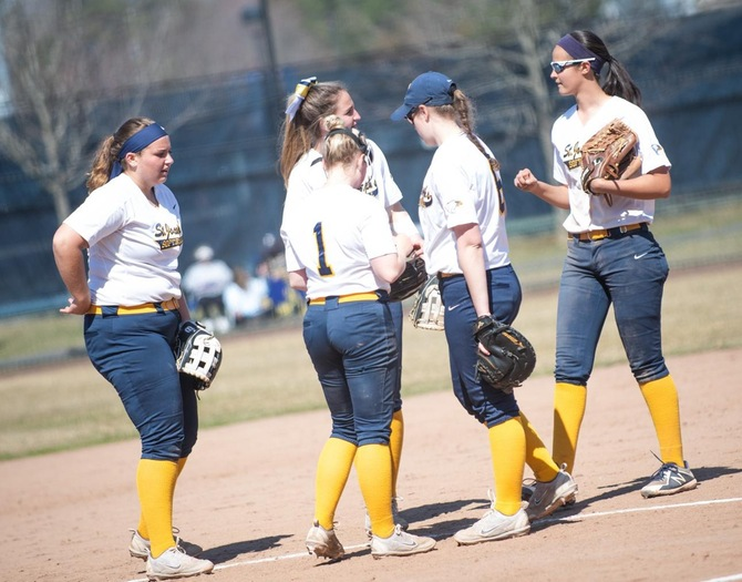 Softball Crashes Out of Skyline Championship on Saturday