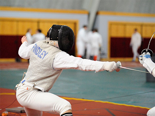 Men's fencing sweeps home meet