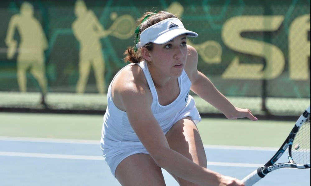 LOAIZA ESQUIVIAS WINS THIRD STRAIGHT, BUT WOMEN'S TENNIS FALLS 4-1 AT HOME AGAINST CAL STATE FULLERTON