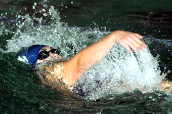Chui qualifies for nationals as women's swimming defeats Babson, 119-89