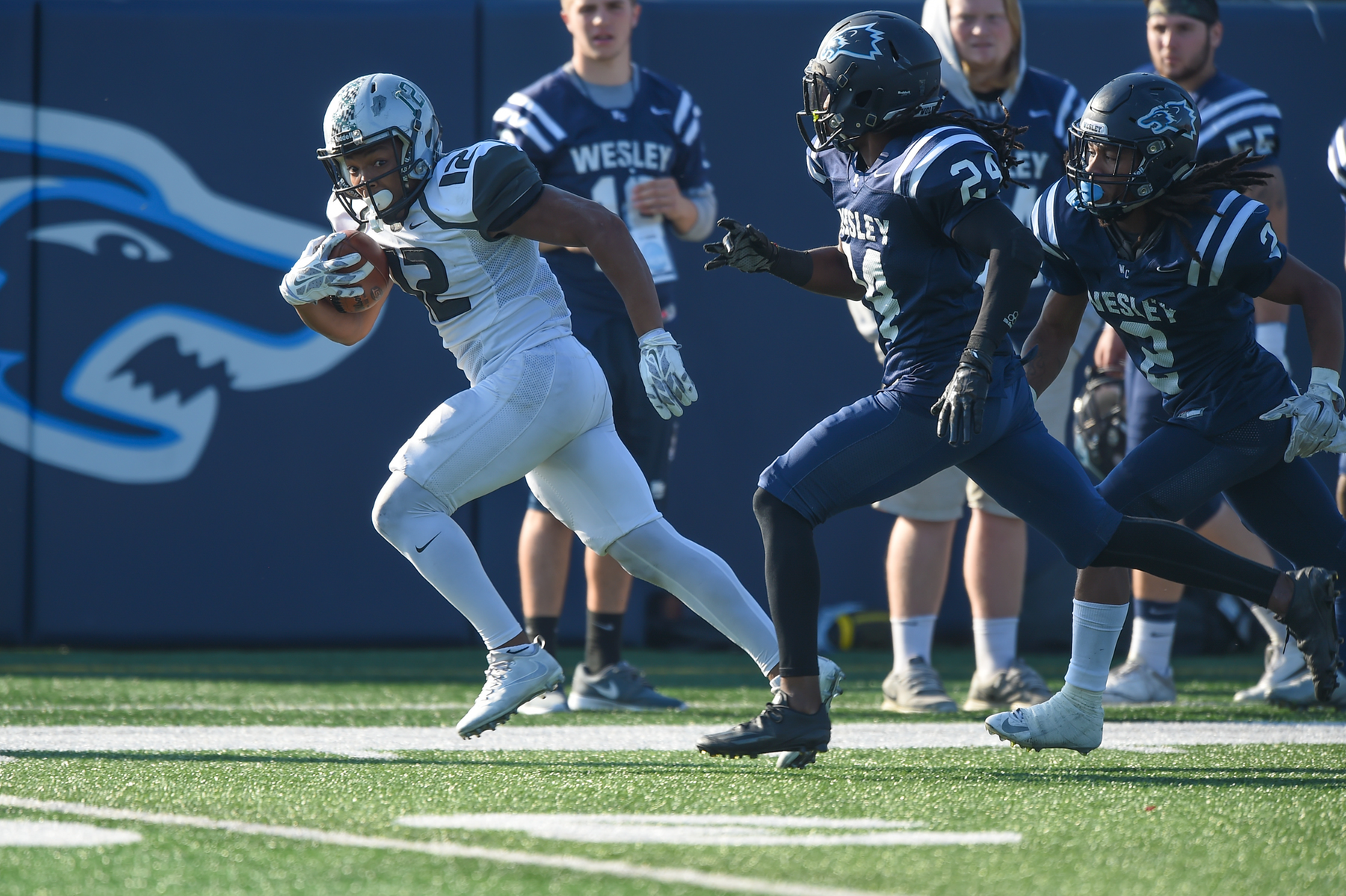 No. 18 Wesley Pulls Away From No. 20 Mustangs Late in NCAA First Round